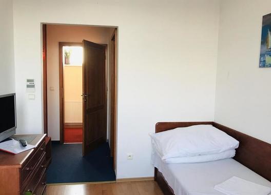 Hotel-Nostalgia-21