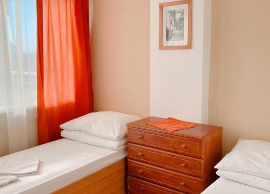 Hotel-Nostalgia-3