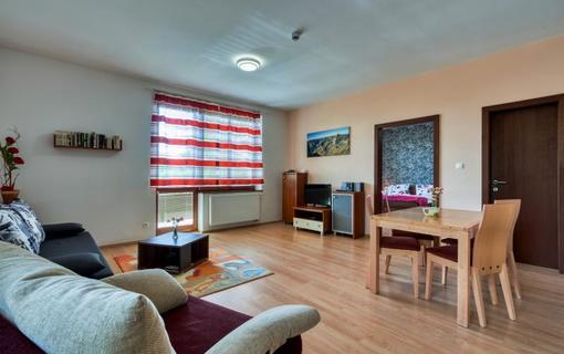 Hotel Avalanche Apartmán obývacia izba