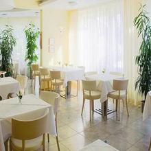 Hotel Set Bratislava 33557148