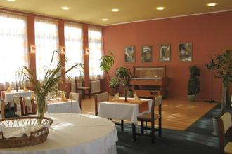 Hotel Plus Bratislava 33557474