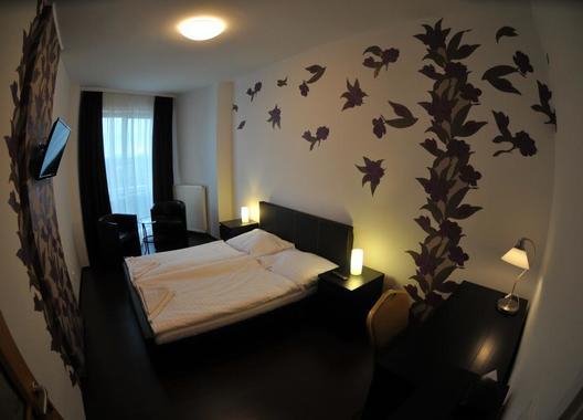 Hotel-Modena-69