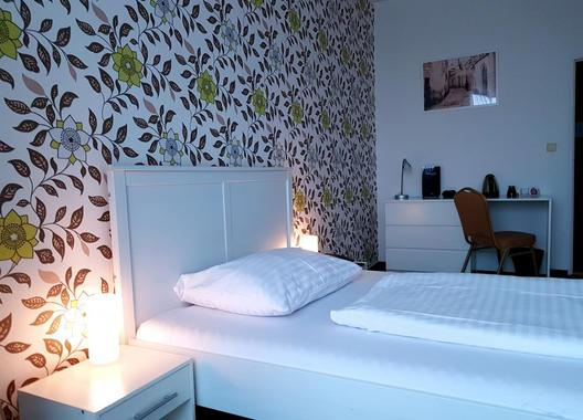 Hotel-Modena-74