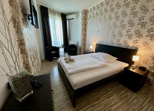 Hotel-Modena-13