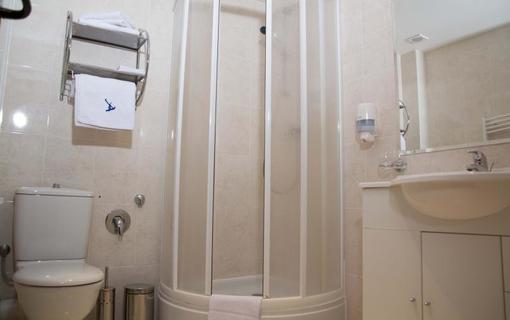 Hotel Amalia kúpeľňa, štandardné vybavenie