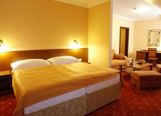 Hotel-Majolika-3