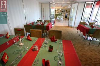 Hotel Empire Trnava 33578908
