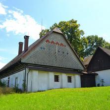 Romantická chalupa se špejcharem z 18. století Košťálov 36382440