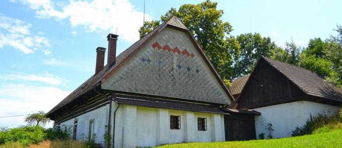 Romantická chalupa se špejcharem z 18. století Košťálov 1129706527