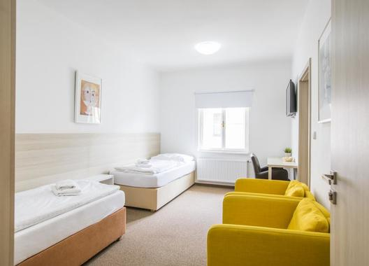 Hotel-a-hostel-U-Zlatého-kohouta-4