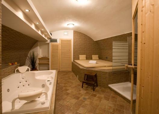 Hotel-a-hostel-U-Zlatého-kohouta-11