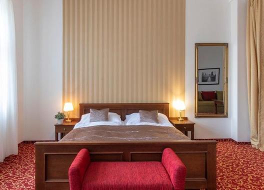 Hotel-a-hostel-U-Zlatého-kohouta-14