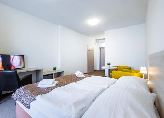 Hotel-a-hostel-U-Zlatého-kohouta-15