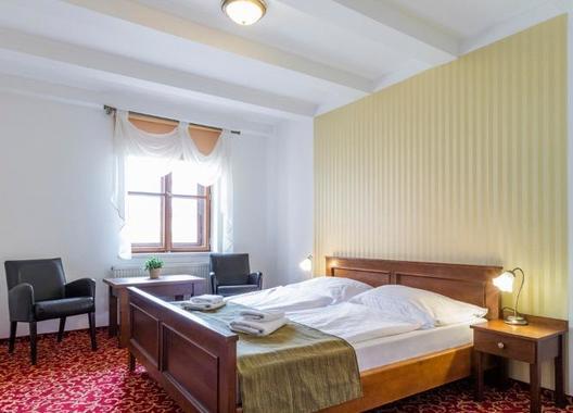 Hotel-a-hostel-U-Zlatého-kohouta-16