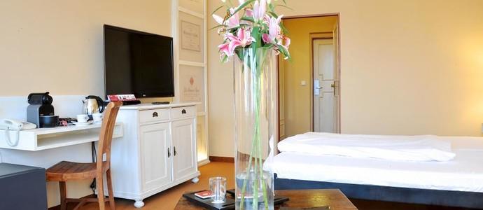 Villa St.Tropéz Praha 42280618