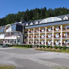 Hotel Plejsy-Krompachy-pobyt-Pobyt pro seniory na 4 noci