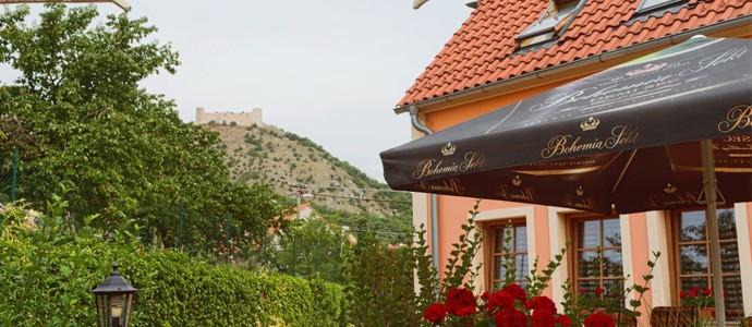 Hotel Pavlov 37096430