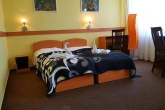 HOTEL MORAVA Uherské Hradiště 40627090