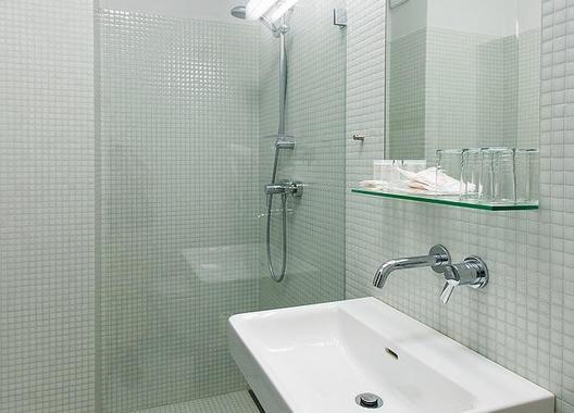 Hotel-ATOM-10