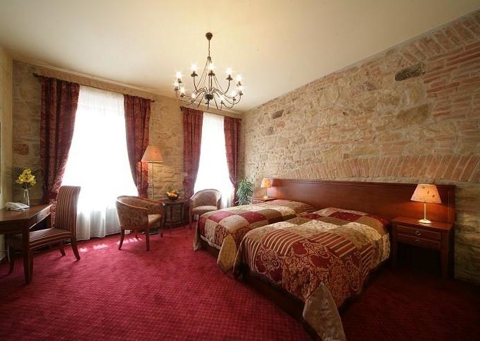 Pokoj s rohovou vanou,č.pokoje 21,hosty velmi oblíbený pokoj