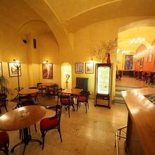 HOTEL ROUS Plzeň 37098644