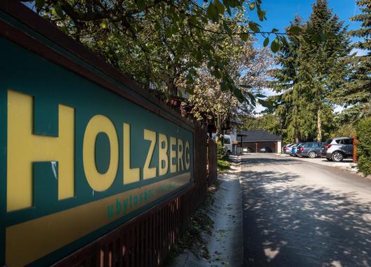 HOLZBERG-24