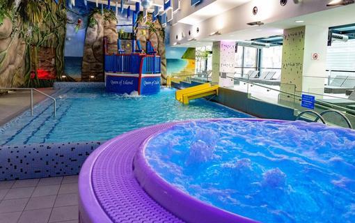 Hotel AquaCity Seasons Treasure Island