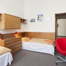 Hostel - areál UK FTVS Praha 42279432