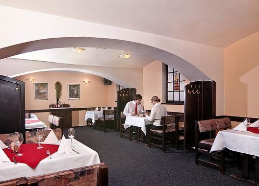 Hotel-Omega-34