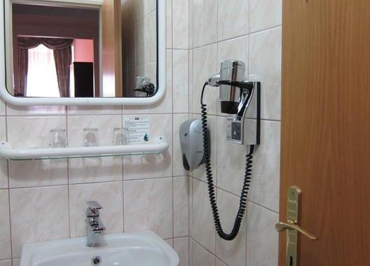 Hotel-Omega-23