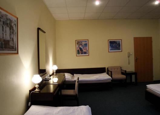 Hotel-Omega-19