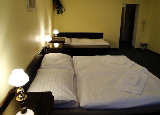 Hotel-Omega-9
