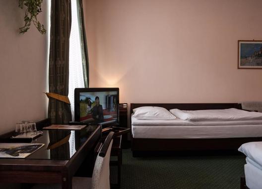 Hotel-Omega-16