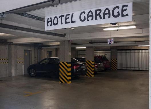 Hotel-Omega-46