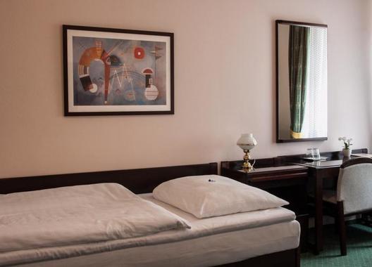 Hotel-Omega-17