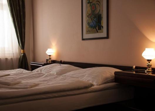 Hotel-Omega-12