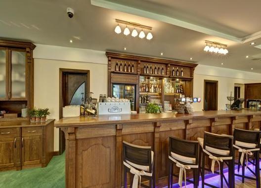 hotel-buchlov_velky-sal-3