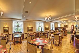 Hotel Buchlov Buchlovice 49677324