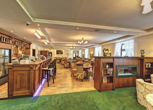 hotel-buchlov_velky-sal-2