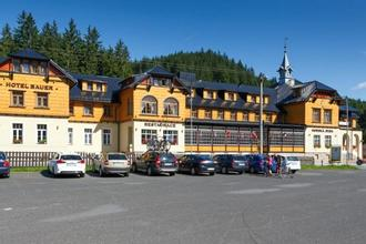 Bílá-Hotel Bauer