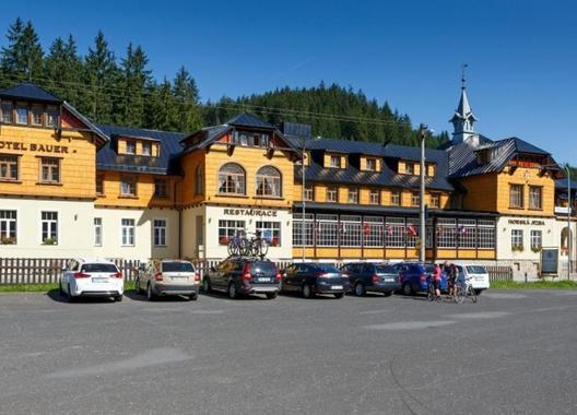 Hotel-Bauer-1