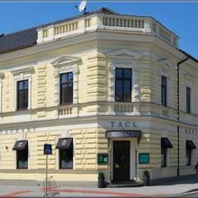 Hotel Tacl Holešov