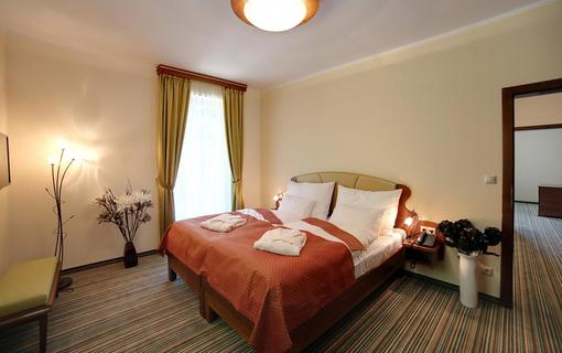 Parkhotel Forest 1152310981