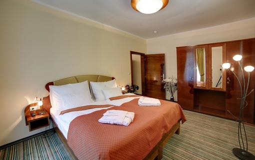 Parkhotel Forest 1152310979