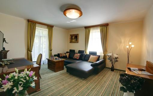 Parkhotel Forest 1152310985