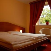 Hotel West Bratislava 33615554