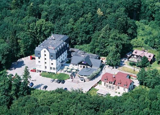Hotel-West-1