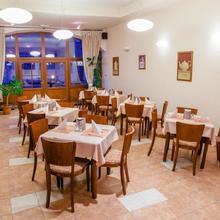 Penzion Nad Oborou Hradec Králové 45176056