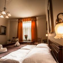 Film Hotel Bratislava 42046114