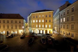 Charles Bridge Palace Praha